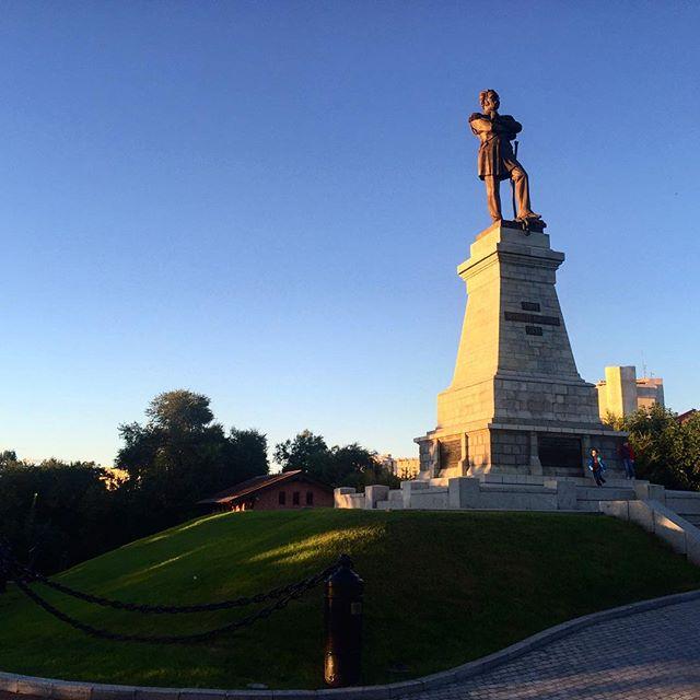 Памятник Соловьёву-Амурскому