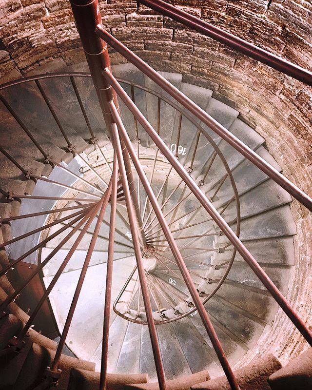 Лестница к колоннаде Исаакиевского собора